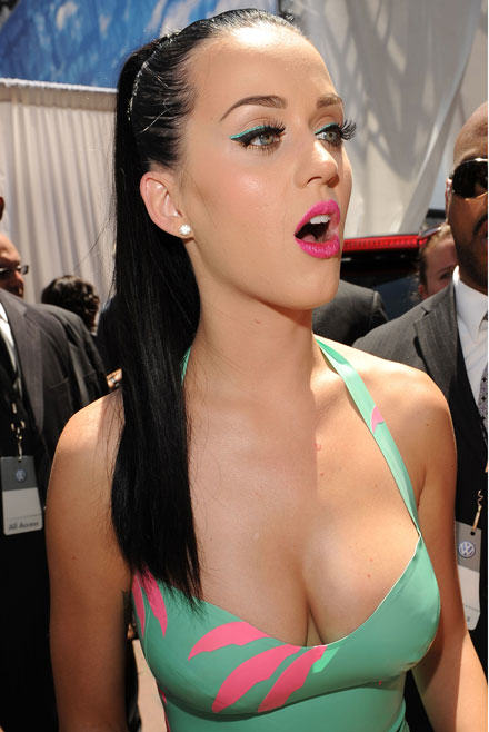 Katy Perry breast Katy Perry Has Bleached Her Eyebrows! WTF
