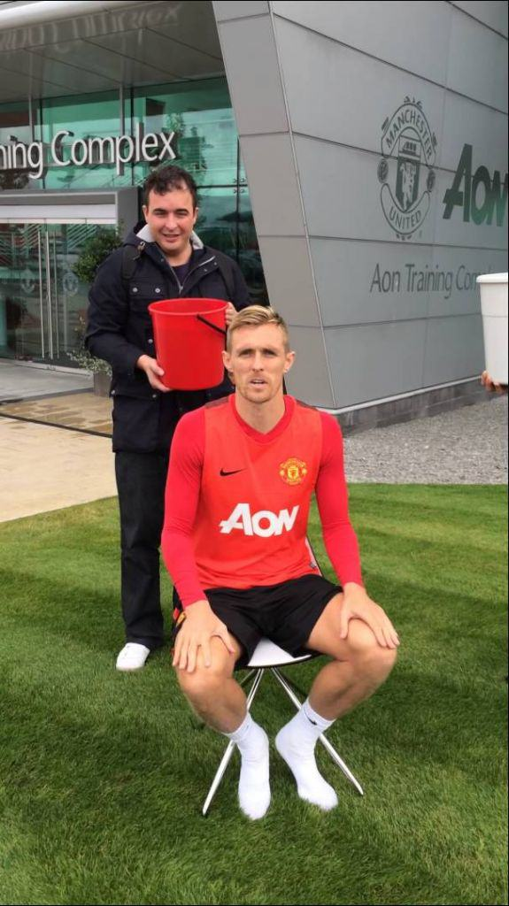 Darren Fletcher Does Ice Bucket Challenge, Nominated Ronaldo darren fletcher does ice bucket