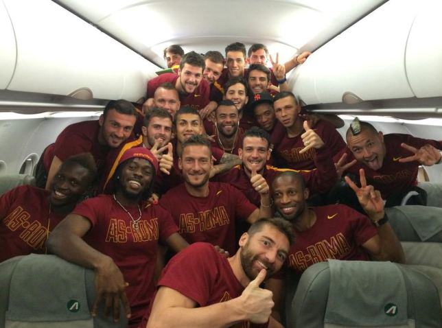 cole6 BREAKING: Ashley Cole Finally ACCEPTED By Roma Players