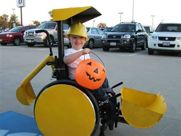 McLelland 2 Parents Make Amazing Halloween Costumes For Their Disabled Kids