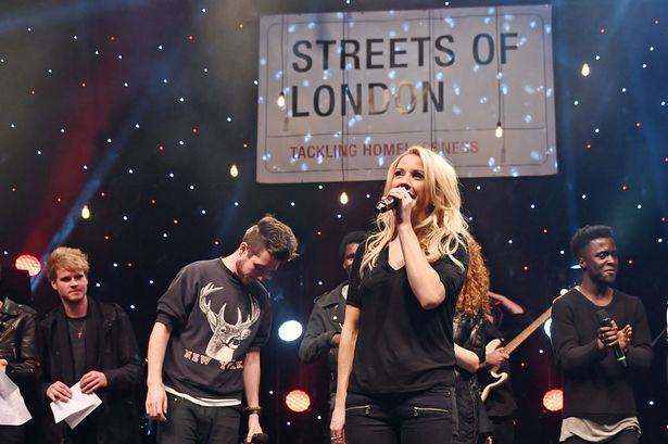 PAY Ellie Goulding Ellie Goulding To Spend Christmas Helping The Homeless