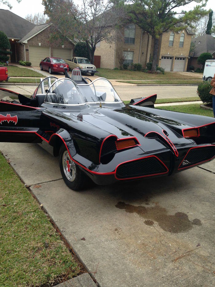 bat13 Man Completes Batmobile After 9 Years Of Work