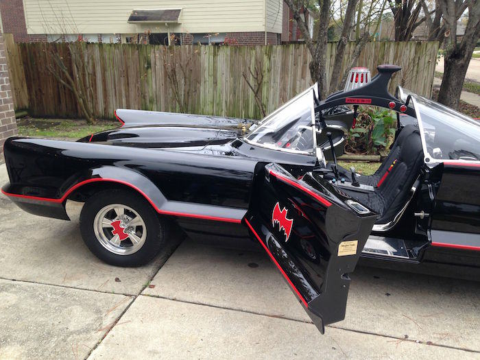 bat17 Man Completes Batmobile After 9 Years Of Work