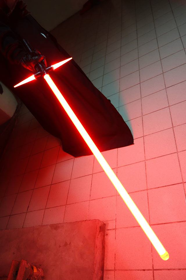 A Japanese Guy Has Built The New Star Wars Lightsaber, Obviously wzhf24ihqqo12148jzmb