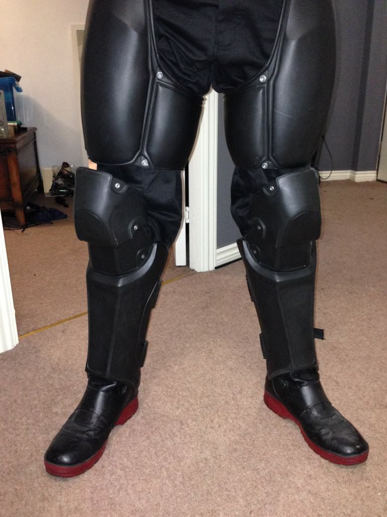 Man Makes His Own Epic Batman Suit With 3D Printer arkhamfeet 768x1024