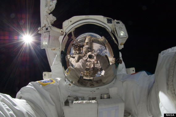 o SPACE SELFIE 570 Learn How To Take The Perfect Selfie At A London College