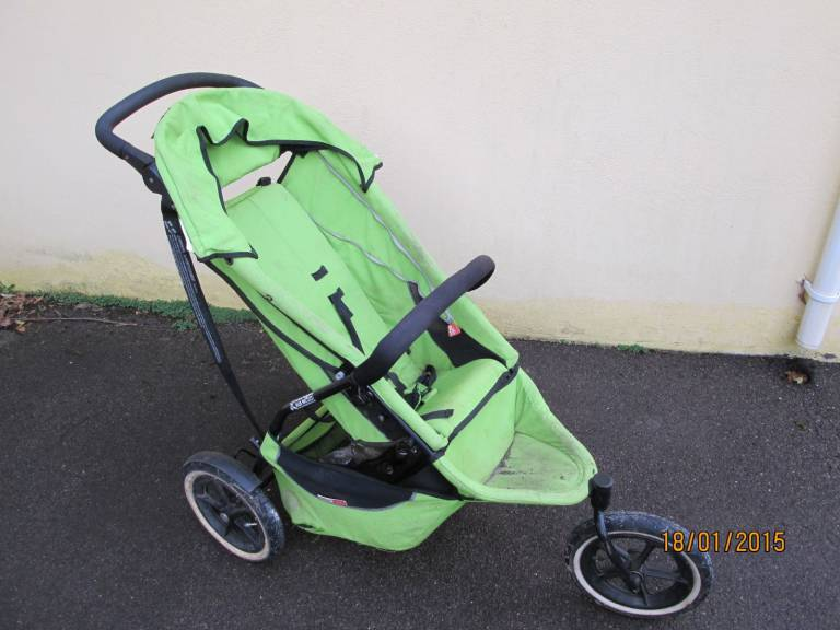 pram Fed Up Dad Puts Kids Buggy On eBay, Gets A £150K Bid