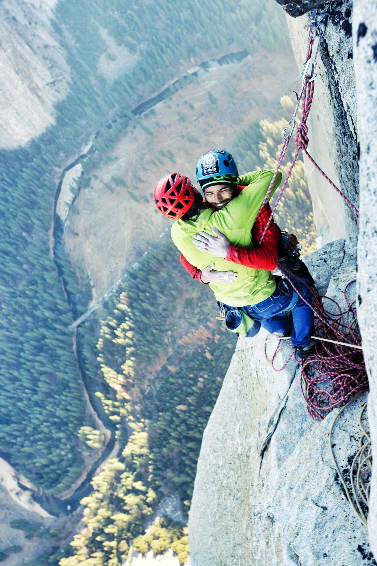tommy caldwell kevin jorgeson capitan1 Free Climbers Complete Worlds Toughest Climb Up Yosemite Dawn Wall