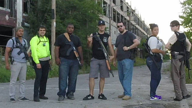 Hells Saints Detroit Open Carry2 In Michigan Its Perfectly Legal To Stroll Around With An Assault Rifle