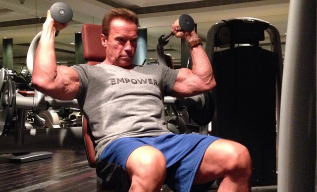 Guy Takes To Reddit To Detail Gym Disaster, Gets Motivational Reply From Arnold Schwarzenegger arnie