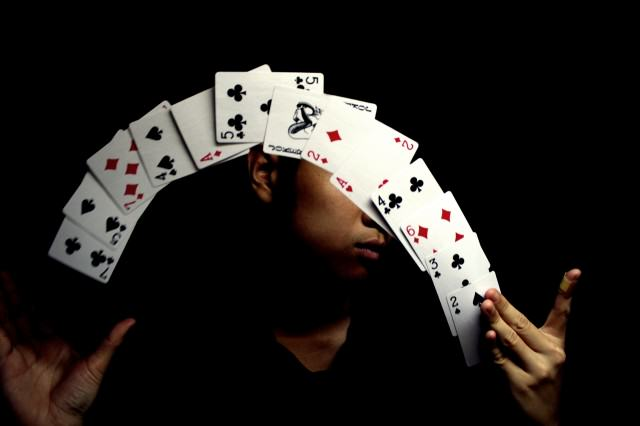 card tricks 640x426 So Cardistry Is An Actual Job   And It Looks Pretty Epic To Us