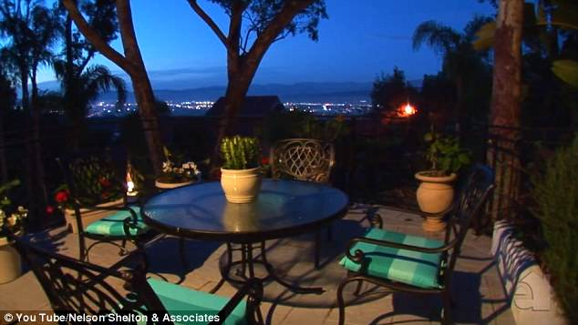 Manny Pacquiao Sees Mansion, Offers £8.4 Million Plus 4 Tickets To Mayweather Fight, Gets Mansion manny1
