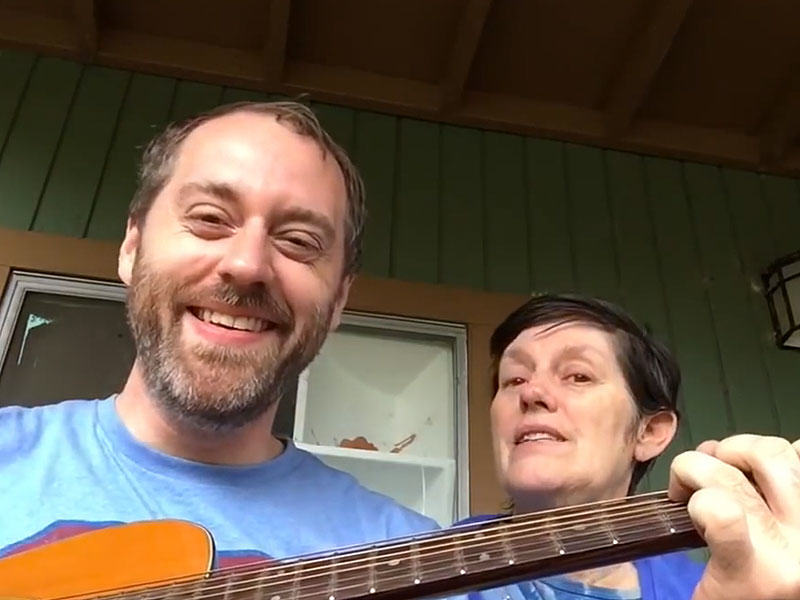 mom song 800 This Guy Sings Songs To His Mum Who Has Alzheimers