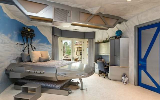 starwarsweb 640x400 This $15 Million Star Wars Themed Bachelor Pad Is Incredible