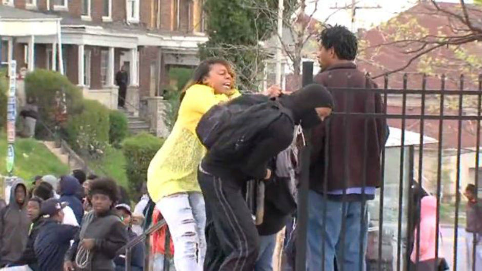 This Is The Baltimore Mum Who Beat Her Son For Trying To Protest 19289 smz7ac
