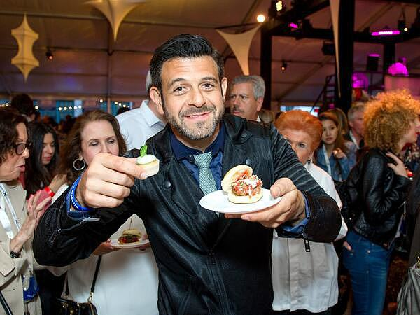 Man Vs Food Star Adam Richman Is Now A Vegan 2f55a2cfbdd659be BqCLUW3CMAExJjX.xxxlarge