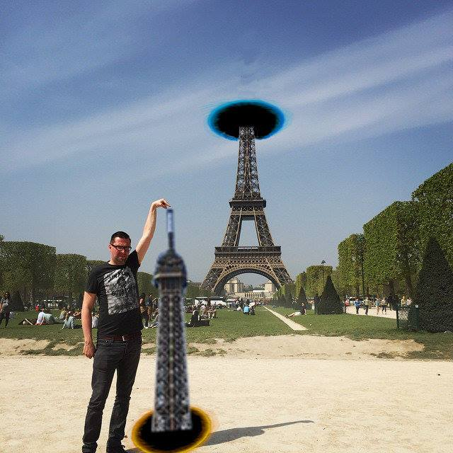 81 This Guy Posing Next To The Eiffel Tower Is The Latest Internet Craze