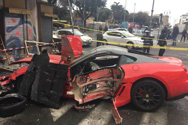Ferarri smashed Garage Attendant Completely Writes Off £300,000 Ferrari