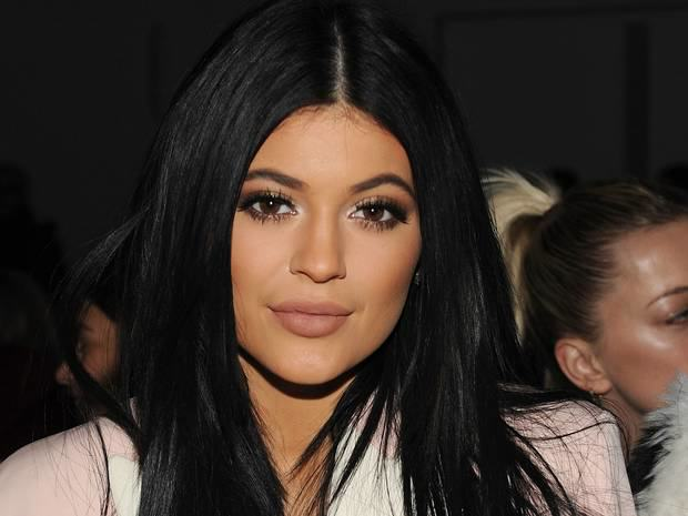 kylie Kylie Jenner Challenge Goes Viral As Girls Suck Shot Glasses To Emulate Pout