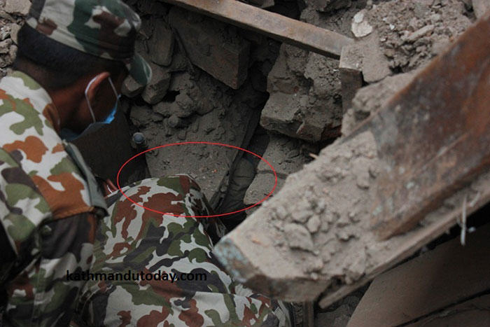 nepalbaby2 4 Month Old Baby Found Alive In Nepal Earthquake Rubble