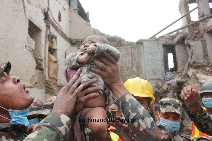 nepalbaby4 4 Month Old Baby Found Alive In Nepal Earthquake Rubble