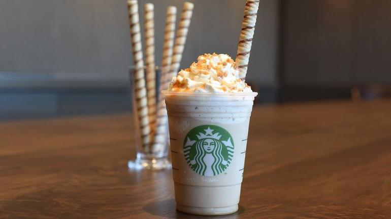 cookie This Starbucks Manager Totally Loses The Plot Over A Cookie Straw