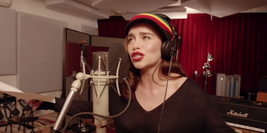 f858681dc49732ebae084b219f2d6414 Emilia Clarke Sings Reggae In Coldplays Red Nose Day Special