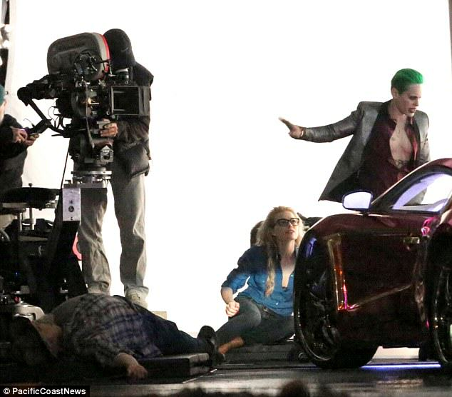 leto joker 21 The Joker Looks Crazy As F*ck In These Suicide Squad Set Photos