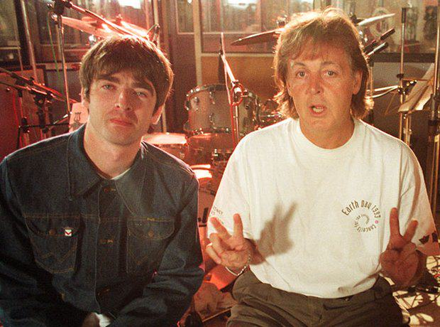 noel gallagher paul mccartney and paul weller 1380020981 view 1 Paul McCartney Tells Oasis To End Feud And Make Good Music