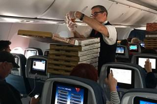 Pilot Orders Pizza For Whole Plane After Bad Delay