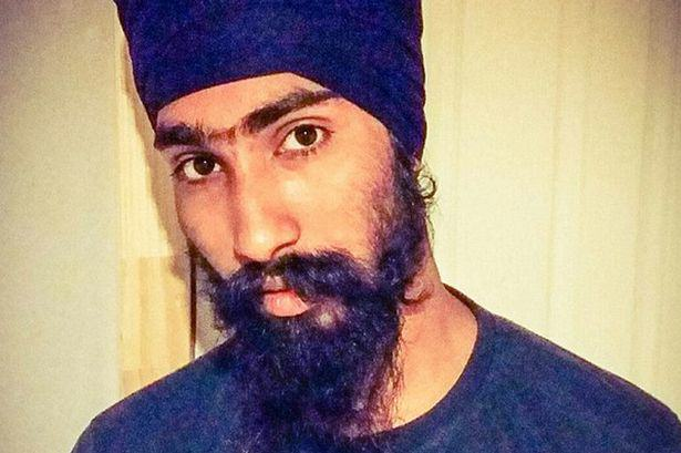 sikh man 2 Sikh Man Removes Turban To Help Save Boys Life After Car Accident