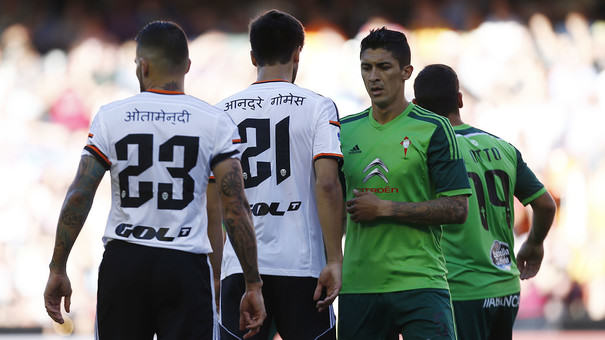 valencia nepal Valencia Players Wear Shirts With Nepali Writing To Raise Money For The Country