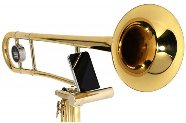 ars001 Trombone iPhone Speaker 1 640x426 The UNILAD Guide To Buying Fathers Day Gifts