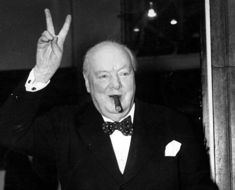 churchill1 Winston Churchill Was Not Gay, Rated Women Out Of 1,000 At Parties