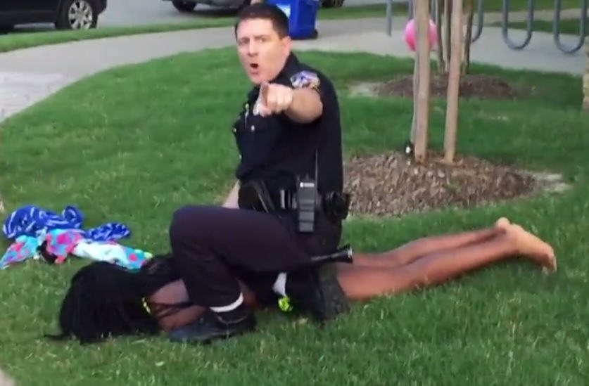 Texas Police Officer Points Gun At Unarmed Black Teens, Is Caught On Camera ec