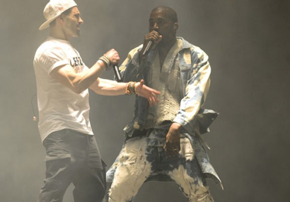 kanye nelson 1 Lee Nelson Reveals He Did It For Taylor Swift Following Kanye Stage Invasion