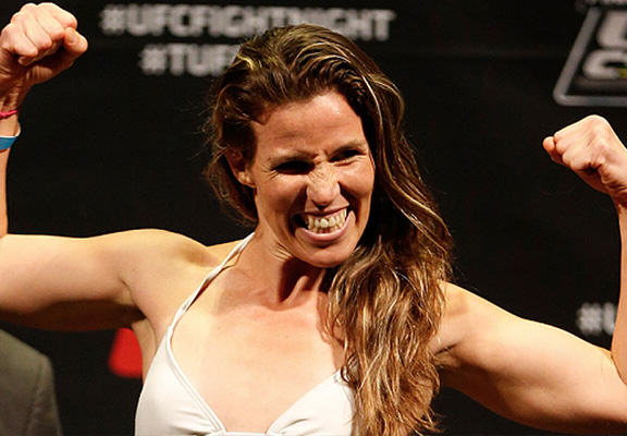 leslie smith web 2 UFC Fighter Leslie Smith Beat The Crap Out Of A Guy Who Touched Her Friends Ass