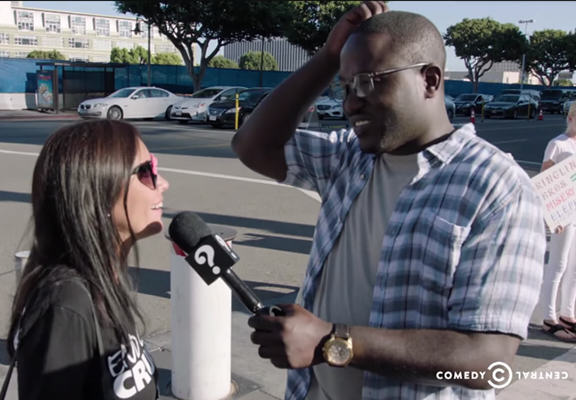 buress peta WEB Hannibal Buress Trolls A Group Of Vegan PETA Protesters