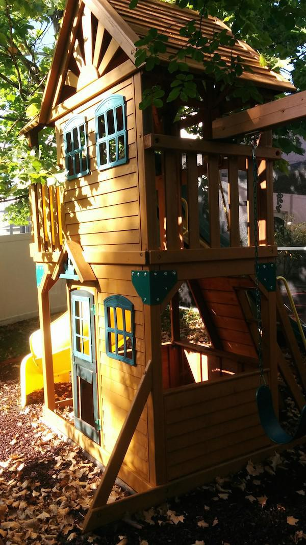 Creative Dad Turns Playset Into BADASS Fort fort1