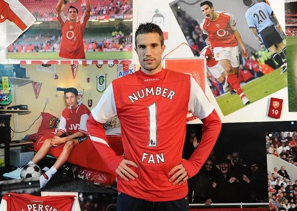 rvp4 600x426 Five Of The Most Controversial Transfers Of The Last Decade