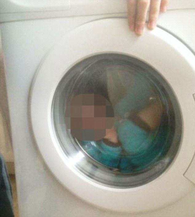 washing machine 1 Mum Posts Photo Of Young Boy Inside Washing Machine, Faces Backlash
