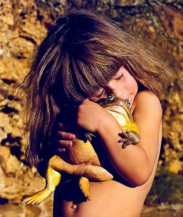 UNILAD 4GKjg4V5 These Awesome Photos Show A Little Girl Who Is Basically The Real Life Mowgli