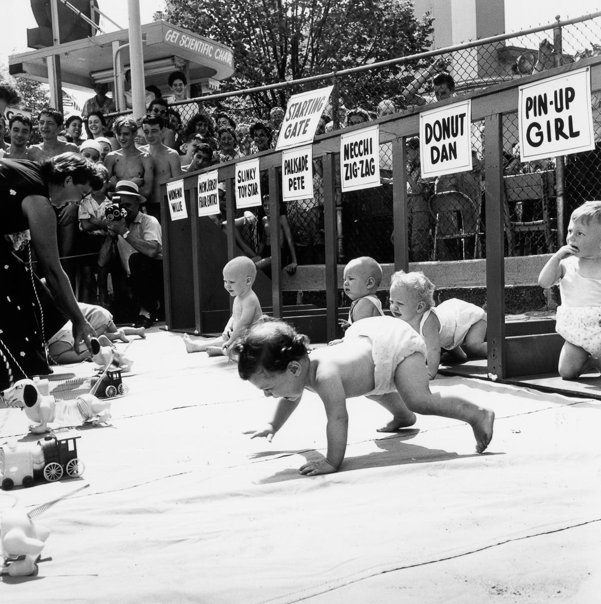 UNILAD HULTON ARCHIVEGETTY IMAGES6 Baby Racing Used To Be A Real Life Actual Sport, And It Was Amazing