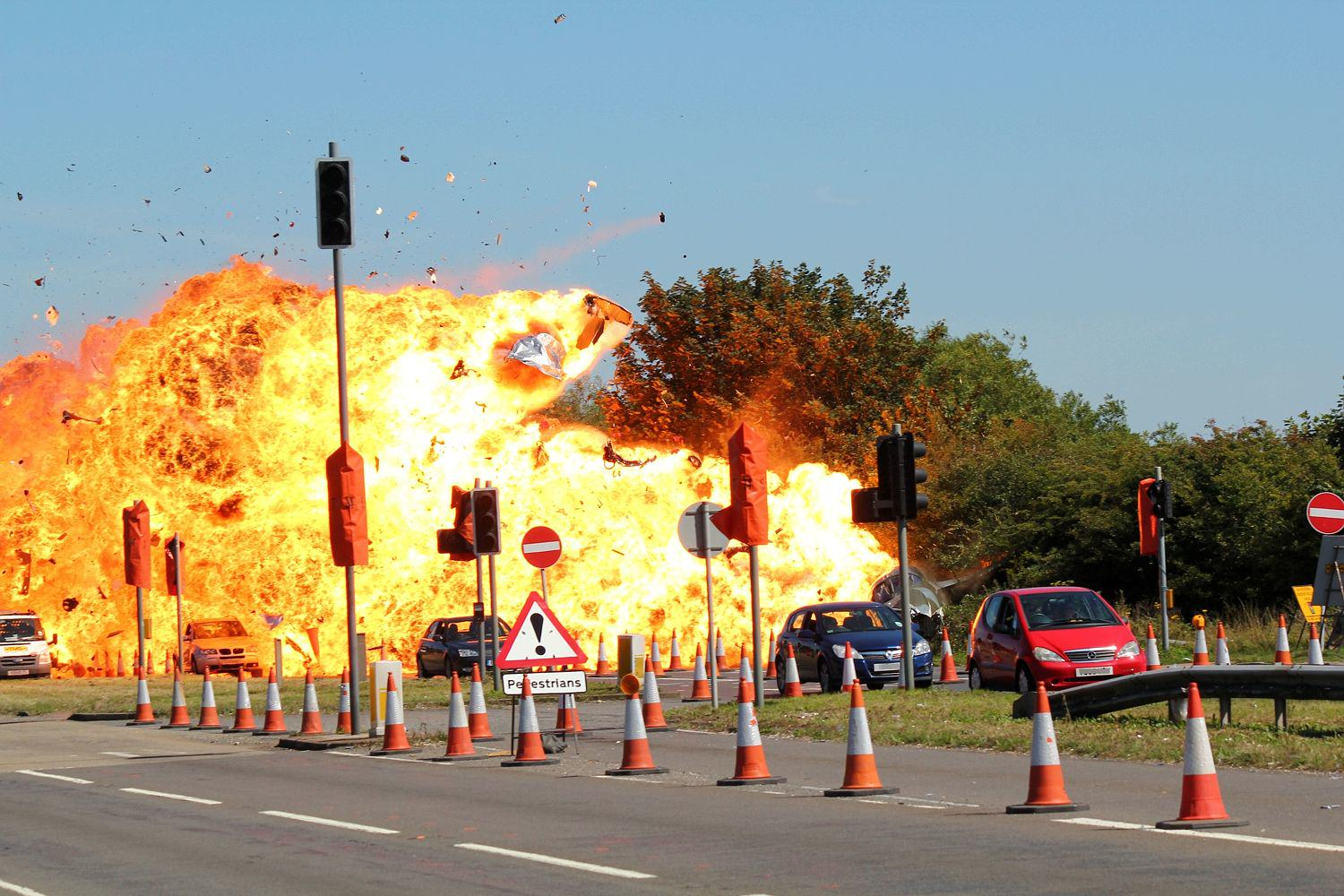 UNILAD Sunday Mirror8 Dramatic New Details Of Shoreham Airshow Crash Have Been Revealed
