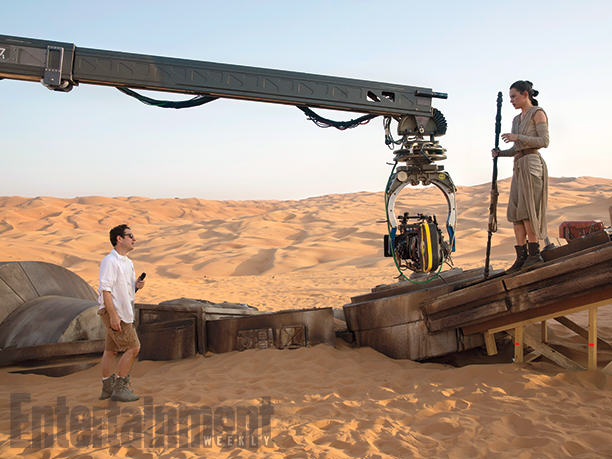 UNILAD ep7 34568 1377 1378 064 These 12 Star Wars: The Force Awakens Images Are Glorious
