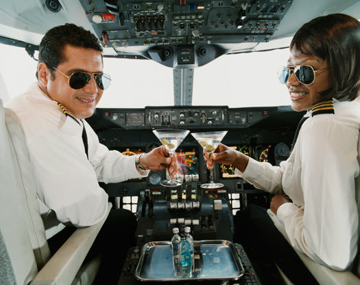 UNILAD flying drunk drinking flight pilots8 Pilots Reveal Terrifying Truth About How Often Flights Come Close To Disaster