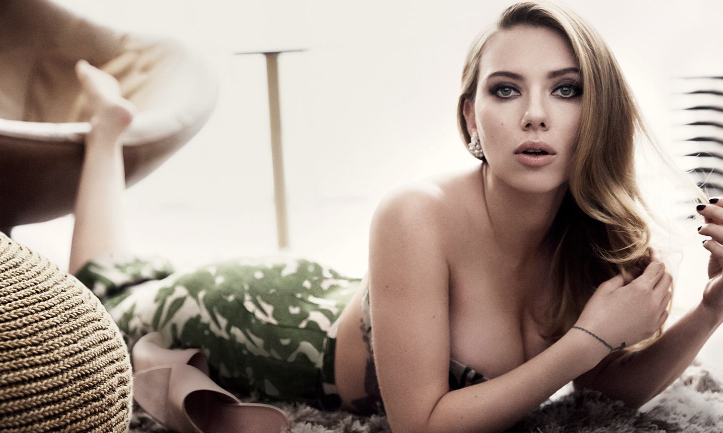 UNILAD johanson7 Scarlett Johansson Loses Battle To Ban Book Presenting Her As Sex Object