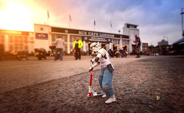 UNILAD scooter5 Awesome Photos Imagine What Stormtroopers Get Up To On Their Days Off