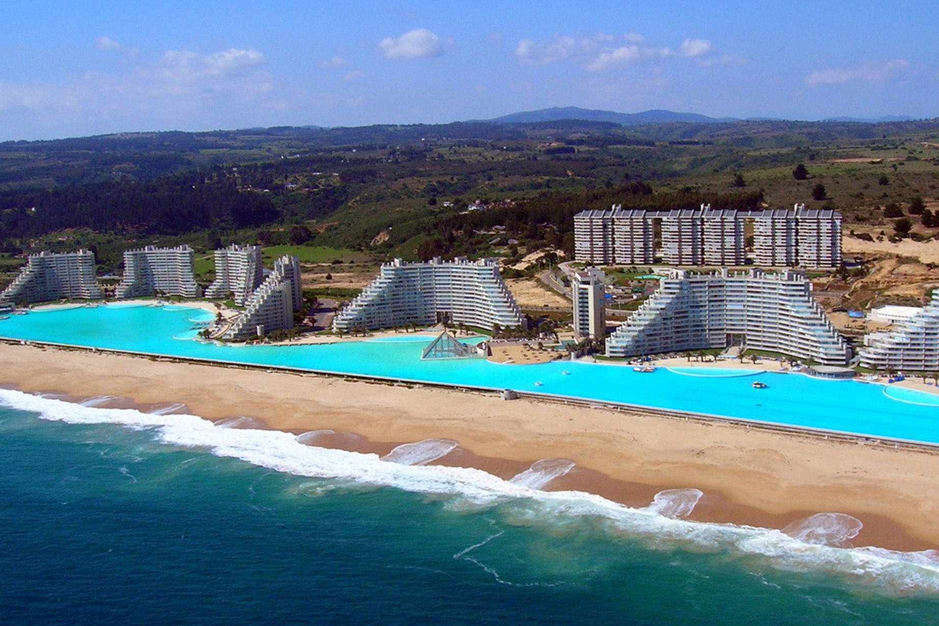 These Are Probably The Best Swimming Pools In The World UNILAD swim pools 134