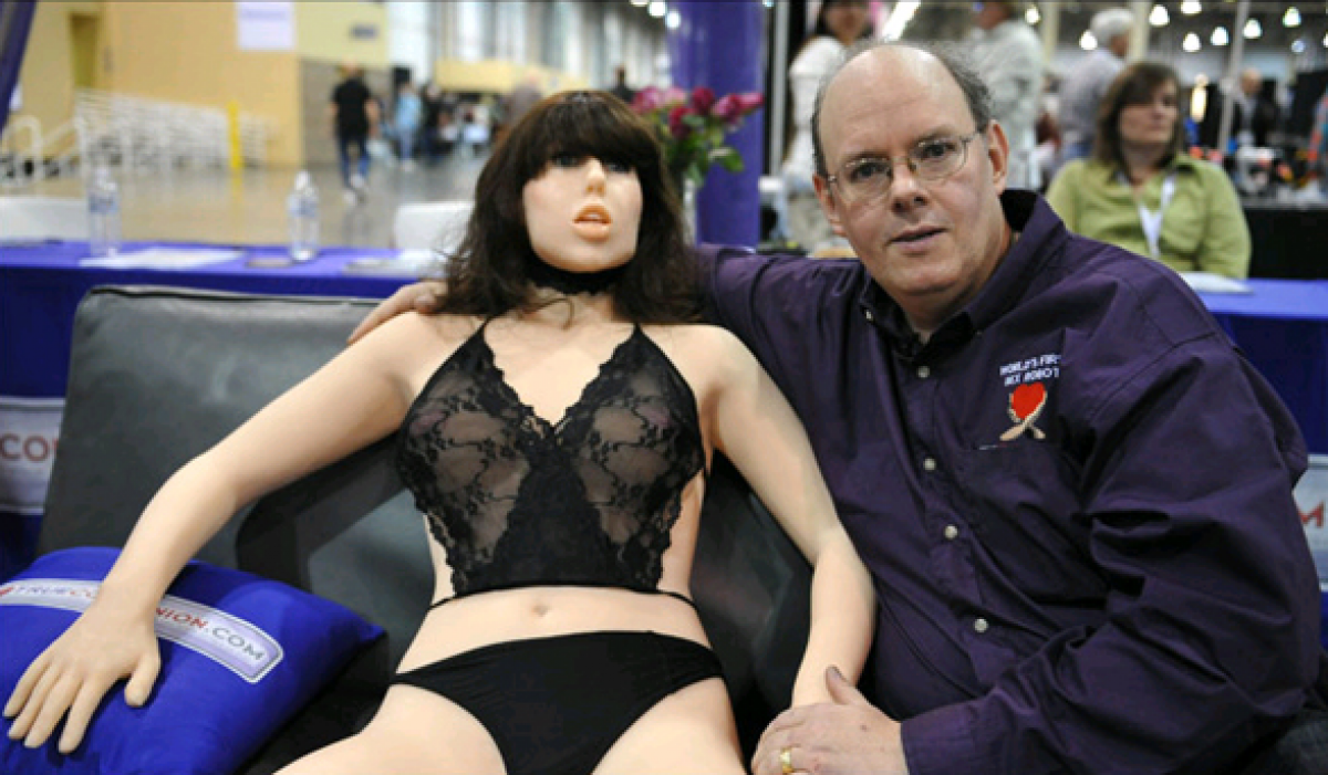 Sex With Robots Will Be Normal In 50 Years, Experts Say kWKxD1sbc